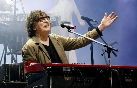 Charly Garcia contra Bruno Mars