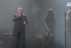 Simple Minds suben al escenario en Manchester