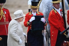 La reina Isabel II , en el Trooping the Colour